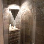 Park Suite shower