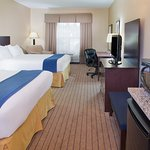 ADA/Handicapped accessible Two Queen Guest Room