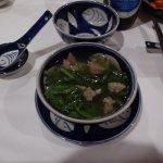 Leckere vietnamesische Suppe: Spinat mit Gehacktes (Abendessen)
