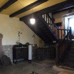 entrada y escalera a las habitaciones