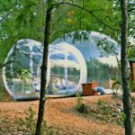 Notre bulle ZEN avec derrière le sanitaire privatif