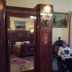 Удобные кресла и великолепный шкаф