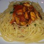 Spaghetti aglio olio e peperoncino (rosati) con aggiunta di cozze
