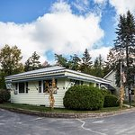 Amanda's Village Motel Photo