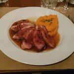 magret de canard et son jus à l'orange accompagné de son écrasé de patate douce.