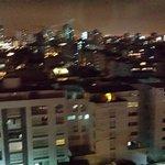 Vista desde la habitación, en las noches de Lima
