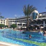 Photo de Constantinou Bros Athena Beach Hotel