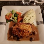 Veal with mash and vegetables
