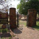 footpath to Victoria Falls