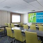 Photo de Holiday Inn Express Louisville Northeast