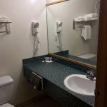 Vanity area, Super 8 Portage La Prairie MB