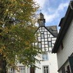 Monschau ist ein malerisches Eifelstädtchen, in dem die Zeit stehen geblieben zu sein scheint. H