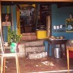 L'entrée de la petite salle de restaurant