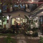 Photo de Le's Garden Bar