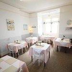 Rosemead Guest House breakfast room