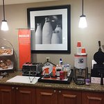 Photo de Hampton Inn & Suites By Hilton Williamsburg-Central