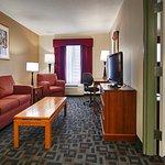 Foto de SureStay Plus By Best Western Hotel Houston Medical Center