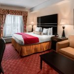 Mini Suites King Bed & Sleeper sofa  with HOT TUB for two.