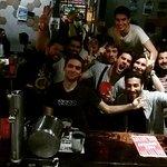 Muitas amizades no Bar do HOstel