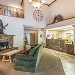 Foto de Econo Lodge Inn & Suites