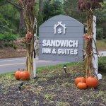 Foto van Sandwich Inn & Suites