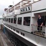 Swan docking at Lakeside