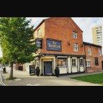 The Tavistock Pub & Carvery resmi