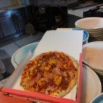Mi piace il gusto deciso della pizza cappellacci, buona abbondante a prezzo economico.