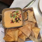 Pimiento queso and fresh chips