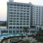 Sherwood Breezes Resort resmi