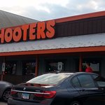 entrance to Hooters
