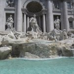 Trevi Fountain 100 meters from hotel