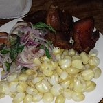 Chicharron de cerdo con choclo (maiz)