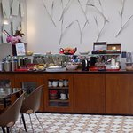 The breakfast/snack bar