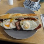 bacon and egg baguette