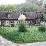 que de belles maisons dans ce beau village!