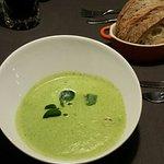 Brunnenkresse-Suppe mit Krabben