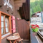 Hotel Dufour Alpin: Balcony of South Double Room