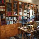 Su despacho en la casa