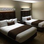 Holiday Hotel & Resort Foto