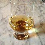 Whiski Bar & Restaurant Foto