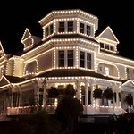 Pendray Inn and Tea House (Gatsby Mansion) at night