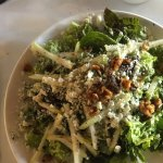 Pear & walnut salad w/Gorgonzola