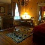 Extra room in Azalea suite.