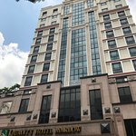 These are some pics of the Quality Hotel Marlow in Singapore where we stayed