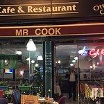Mr Cook resmi