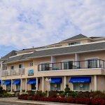 White Sands Oceanfront Resort & Spa Foto