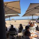 Si quieres comer comida valenciana uno de los sitios que recomiendo es Casa PAtacona. Los camare