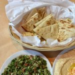 Hummus with soft pita