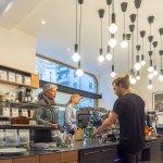 Foto di Man Versus Machine Coffee Roasters